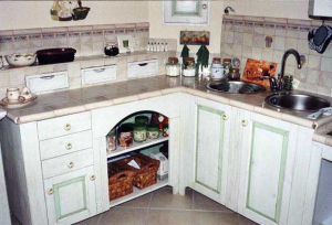 Keramične ploščice kot kuhinjski delovni pult