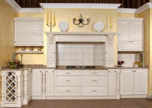 Kuhališče z antičnimi konzolami in lesenimi predalčki