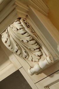 Okrasna podporna konzola iz rimske renesanse Rustika Masiva d.o.o.