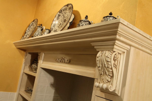 Okrasna konzola iz rimske renesanse v naši kuhinji
