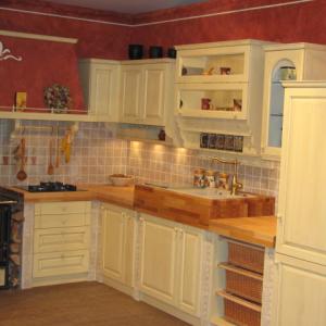 Kuhinja Masonry v barvi vanilije