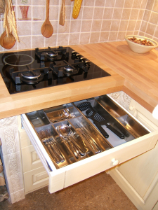 Moderno zasnovana notranjost kuhinje Rustika Masiva d.o.o.