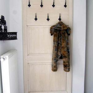 Obešalna stena za hodnik, spalnico, kopalnico...